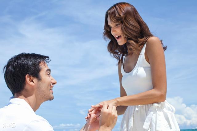 再 婚 娶 了 貌 美 妻 子,婚 後 一 年 妻 子 興 趣 不 減。現 在 一 想 到 回 家 就 瑟 瑟 發 抖!