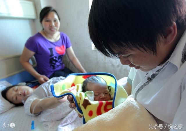 35歲孕婦產檢時發現胎兒有問題,堅持生下來後,全家笑了她哭了