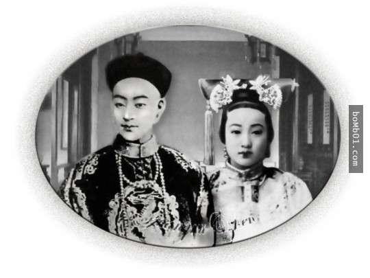 本來很羨慕皇帝可以坐擁後宮佳麗三千的艷福,但看完「歷史現實畫面」後就發現他其實過得比大家都苦…