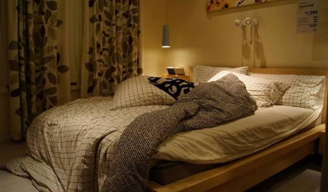 窮人都這樣擺放大床,一開始覺得很好,直到越住越窮才明白!