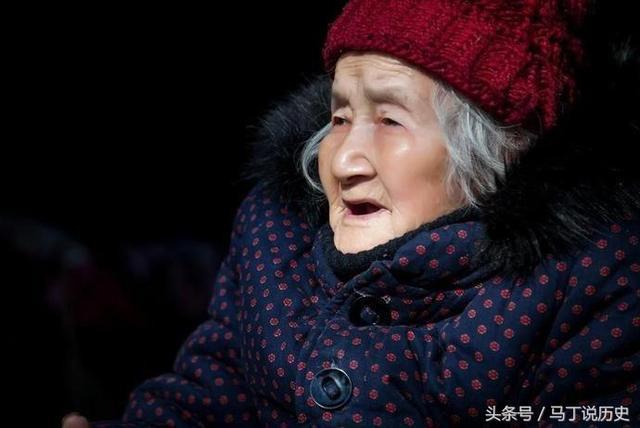 101歲老太皮膚白皙面若桃花,問容顏不老秘訣,基本沒人能做到!