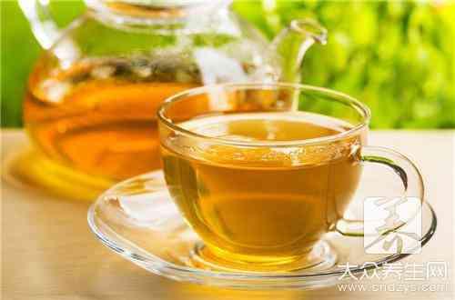 薄荷泡水喝好處多,是一種很好的保健食物 中醫認為,薄荷性涼味辛,歸肺、肝經