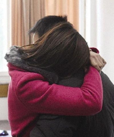 54歲丈母娘對女婿太親熱遭女兒嫉恨,死後一紙遺書,女婿大哭!
