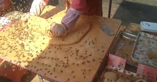 大陸超狂美食「蜜蜂麻糬」爆紅國外,「製作過程全公開」網友傻眼:我看了什麼...