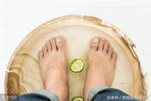 每天晚上用熱水泡腳,不用多久,身體會感受到這6個好處