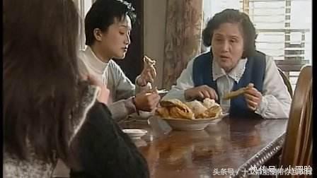 新媳婦在婆家的第一餐,小姑子想給她立規矩,不料媳婦扔碗就走