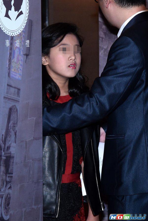 梧桐妹」雖已認可後母林若亞,但在孫誌浩的婚禮上卻驚人說出「這句話」!