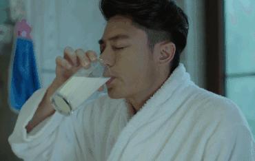 這樣喝牛奶等於「白喝」!掌握這7點,補鈣、防肥胖都靠它