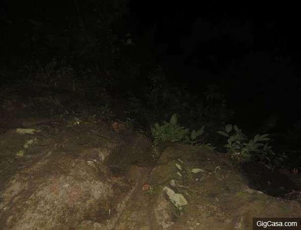 驚!22歲女子上山後被人發現只剩一堆骨骸!警方上山搜索找到一台相機,發現裏面的「照片」竟然...太可怕了!
