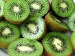 奇異果可以改善失眠、血脂過高、膽固醇過高等症狀,加上這兩樣東西吃,效果加倍 !!! 早點知道就好了~