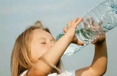 外國人都不喝開水!開水和涼水差別在哪?