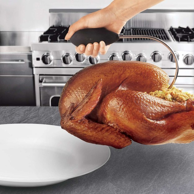 A handle that makes it easy to move your turkey from the roasting pan to the platter.