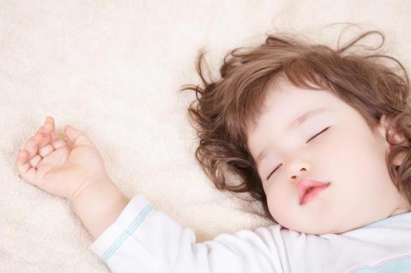 头晕睡觉小孩可爱图片