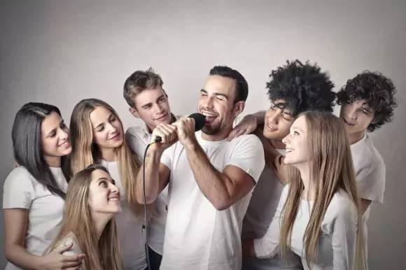 這9個壞習慣「破壞免疫力」比抽菸喝酒還嚴重!90%的人第一個就中槍…
