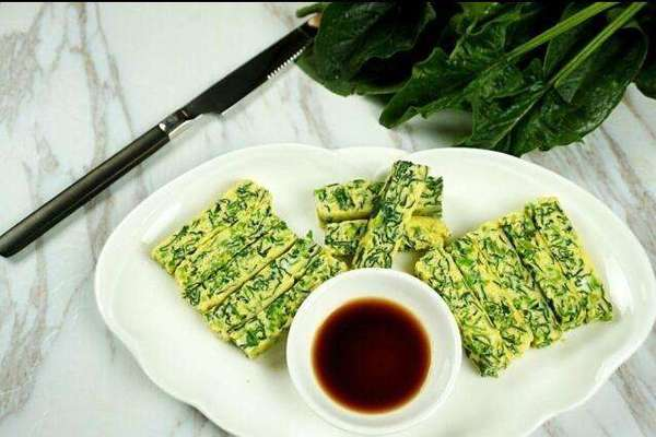「菠菜」別除了炒就是煮!做成這樣子的,家裡人每人多吃了半碗飯,實在太好吃了!