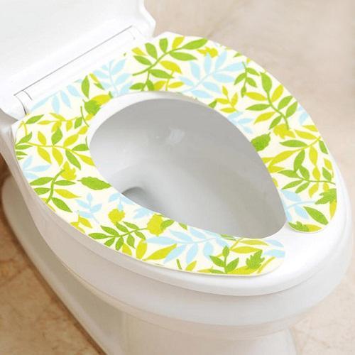 廁所臭味重、馬桶汙垢發黃,巧用2個廢棄物,馬桶潔凈如新沒異味