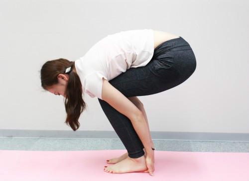 肩膀痠到天天想按摩?專家:動作只要1分鐘,肩頸、小腿緊繃肌肉全鬆開!