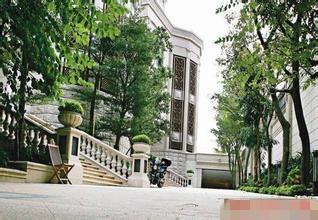 李嘉誠7.6億豪宅首度曝光!才看到第三張的大門我就呆了!簡直就像王宮!果然是香港首富!