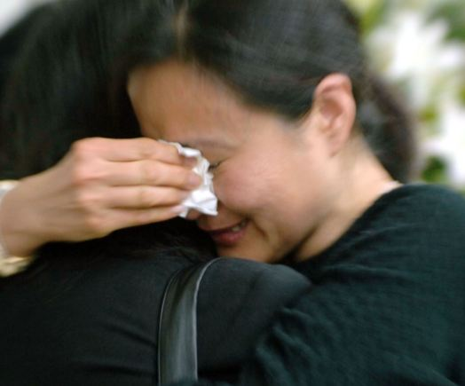 車禍降臨時,老公為了救我變成癱瘓!4年後,公公竟提出一個讓我「臉紅」的要求....我含淚默許了!