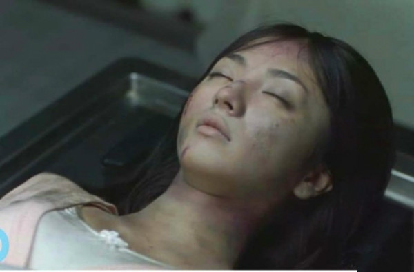 16年前,妙齡女喝農藥自殺!16年後,她父親開棺整理,卻發現女兒屍身未腐!於是著手調查,沒想到竟是...簡直人神共憤!