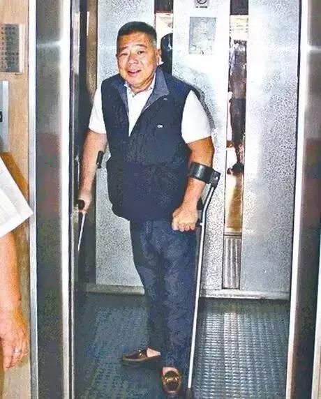 「香港第一美女」黎姿為何會嫁給一個殘疾的老公?! 原來真正的原因竟然......