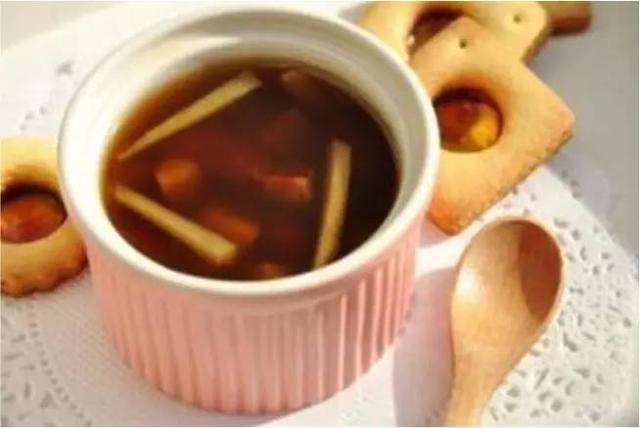 天氣變熱身體反而虛寒的人,很有必要喝一喝「薑棗茶」