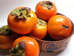 柿子渾身都是寶,柿蒂柿葉都可治病