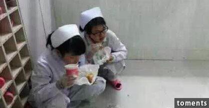 最近很火的照片,揭露醫生護士的幕後真相!