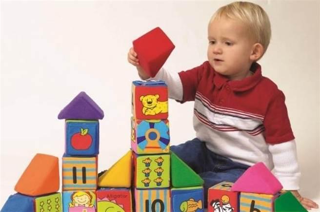 應該教導孩子學著自己爭取想要的東西(圖/益智玩具專家)
