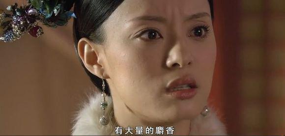 女子看太多宮廷劇,竟拿銀針試包子,並大喊「有毒!」,老闆聽到後一句神回…她臉都綠了!!