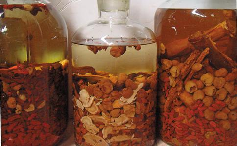 6種養生保健藥酒配方推薦補氣補血酒,壯腰補腎酒