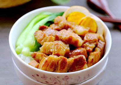 超級簡單的滷肉飯做法,想自己做午餐的吃貨們有福了!