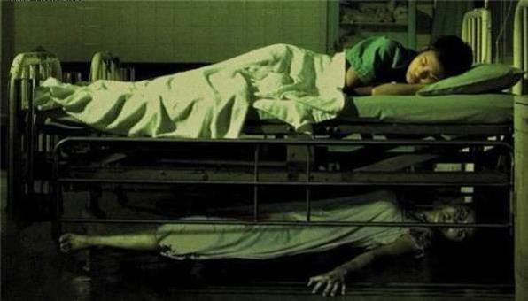 膽小慎入!人類史上5個在床底下發生的真實靈異事件!每一個都毛毛的....