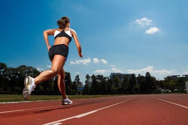 間歇性衝刺奔跑可以快速燃脂 (圖/rechargesport)