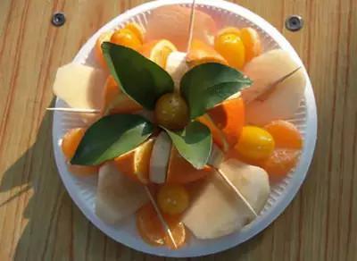 過年給客人上份這樣的水果拼盤,絕對有面子!
