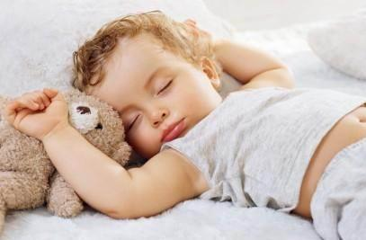 教你用中醫推拿來給發燒的孩子退燒——退燒效果超級棒!