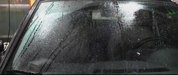 雨刷發出「這種聲音」,代表你的車出事了!一招解決異音...只要抹上...