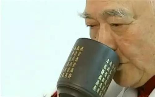 醫生30年高血壓,一杯自製藥茶喝好了!配方公開~(值得推廣)...