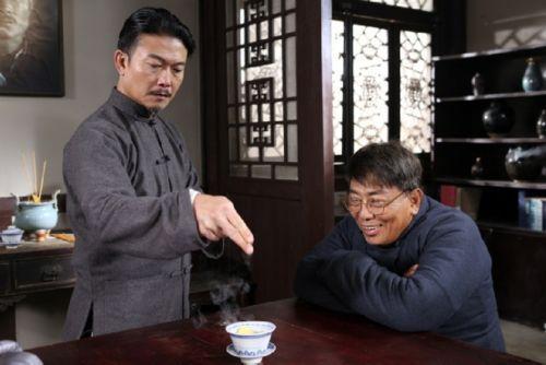 他是林正英徒弟,周潤發為他做配角,後來竟然為了「這件事」,導致前途盡毀 !!!