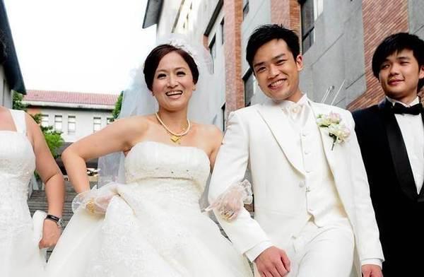 44歲女星「生不出來」離婚收場,小13歲嫩夫火速娶新歡還「一試就中」…明明新歡年紀也較大卻能得女,原因就是…
