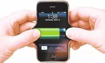 九成人不知道!手機電量剩多少時充電最好?