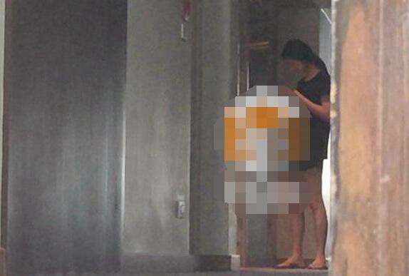 鍾漢良隱婚十幾年,如今老婆女兒近照曝光,老婆年薪千萬