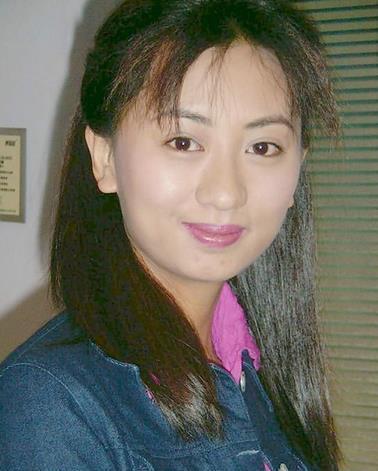 她是趙薇情敵美貌不輸佘詩曼,跑龍套十幾年患重病卻逆襲嫁豪門 !