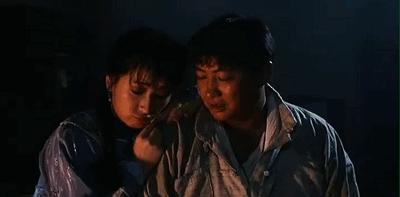 65歲洪金寶全家照,棄韓國老婆娶了女徒弟,如今可把她害苦了!