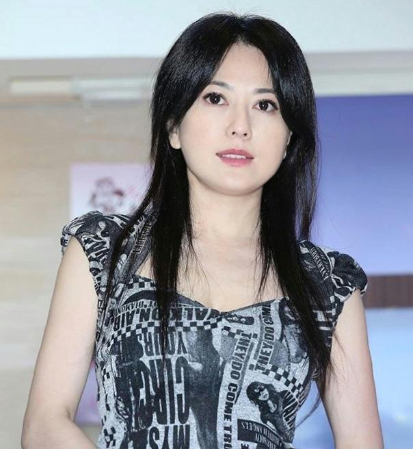 「她」曾是金城武的前任,有過2段短暫豪門婚姻....長相卻如此甜美!還稱為台灣「最美熟女」!已經51歲....令人震驚!