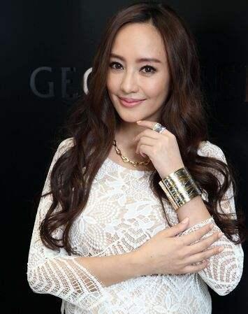 娛樂圈「富家女」的6大女星,含著金湯匙出世,婚後是「公主」!