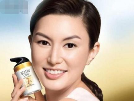 香港曾經很火的那些廣告混血模特:2個離婚,1個小三轉正