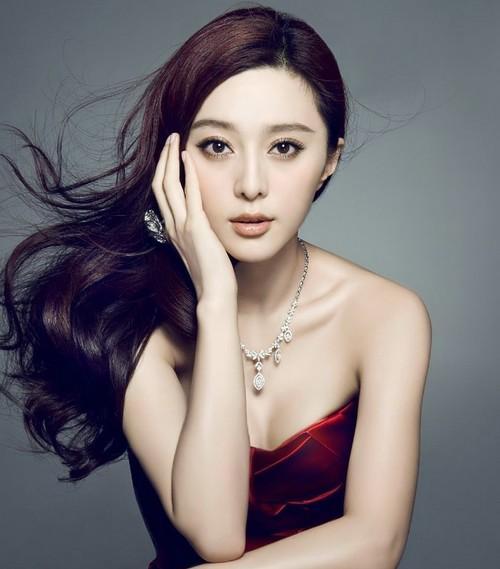 娛樂圈「天價片酬」8大女星,趙麗穎鄭爽上榜,最高9500萬!