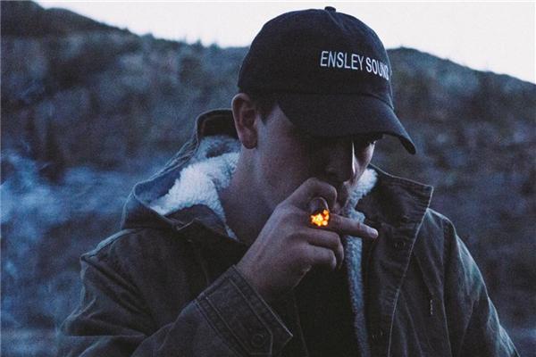 長期抽菸的男人,喝水時加點「這一物」,清毒痰,去垃圾,排出十年肺毒更長壽!