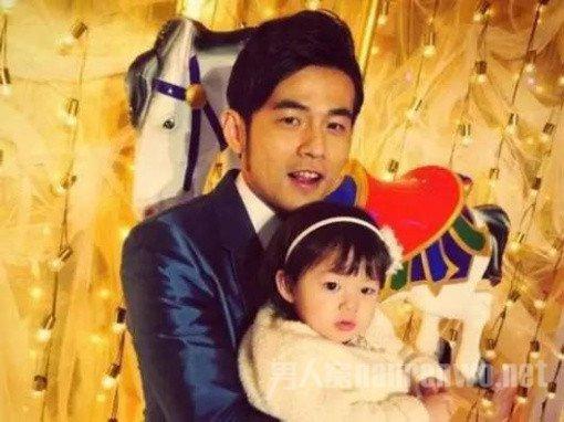 周杰倫女兒與楊冪女兒僅差一歲,生活卻是一個在天一個在地!